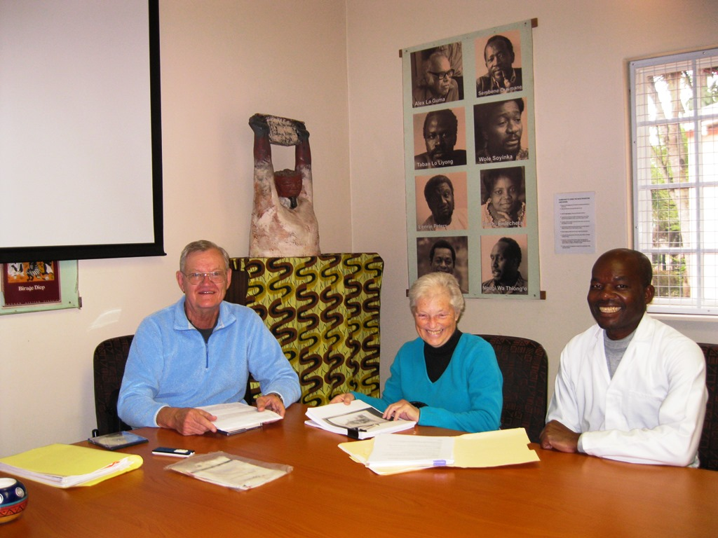 In the picture: Prof Bernth Lindfors and his wife with Wiseman Masango